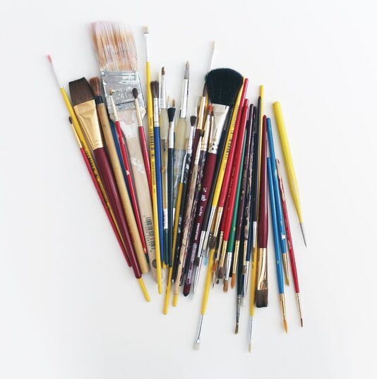 cludter of paintbrushes